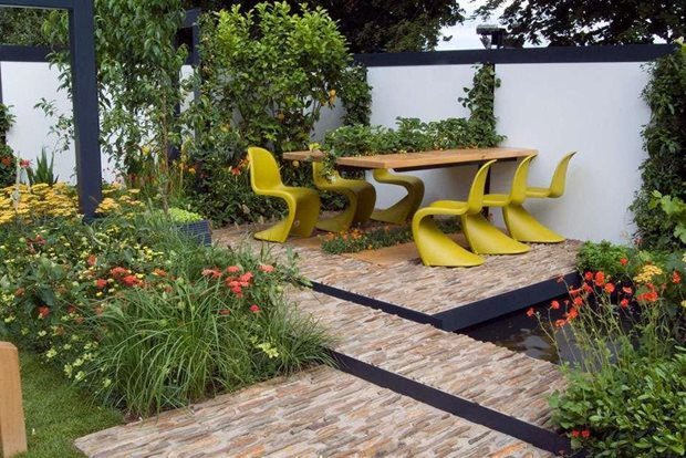 Small food garden - Rhs Tips On Styling Your Contemporary Garden Rhs Gardening