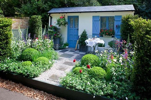 See rhs garden style cottage garden rhs gardening for Cottage garden design
