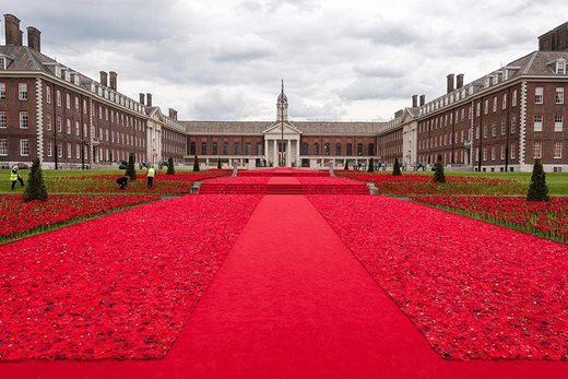 Chelsea Hospital poppy display