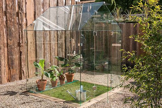 The Pure Glass Greenhouse, winner of the 2017 award