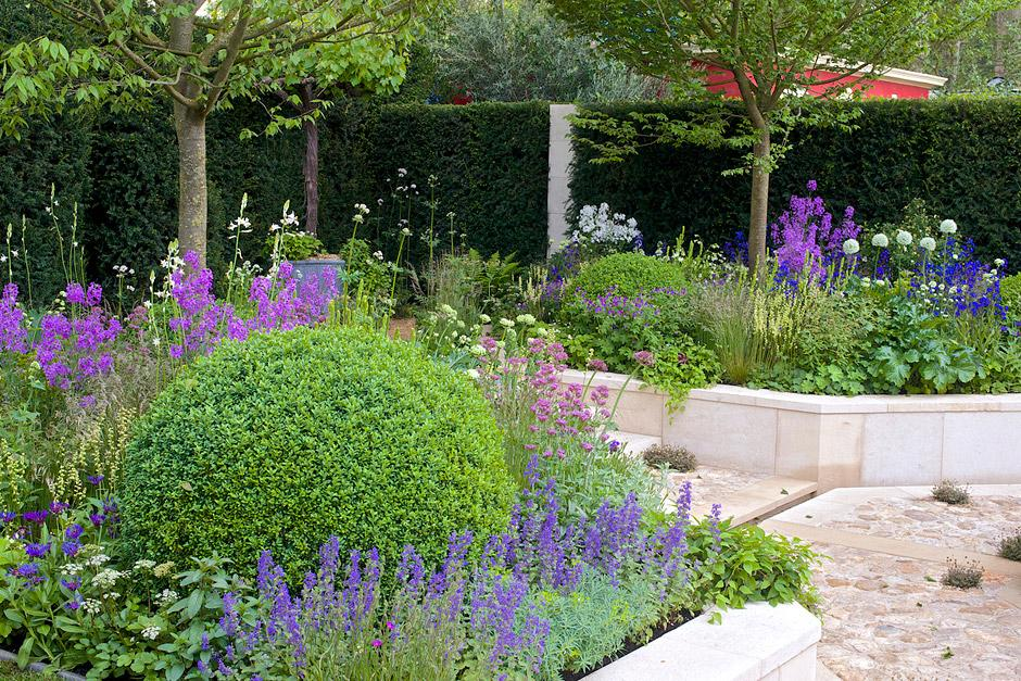Key facts about the rhs chelsea flower show rhs gardening for Chelsea flower show garden designs