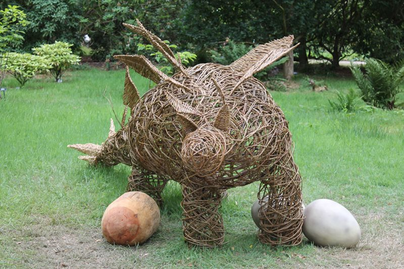 Willow dinosaur with eggs