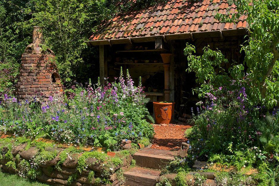 The DialAFlight artisan garden at the RHS Chelsea Flower ...