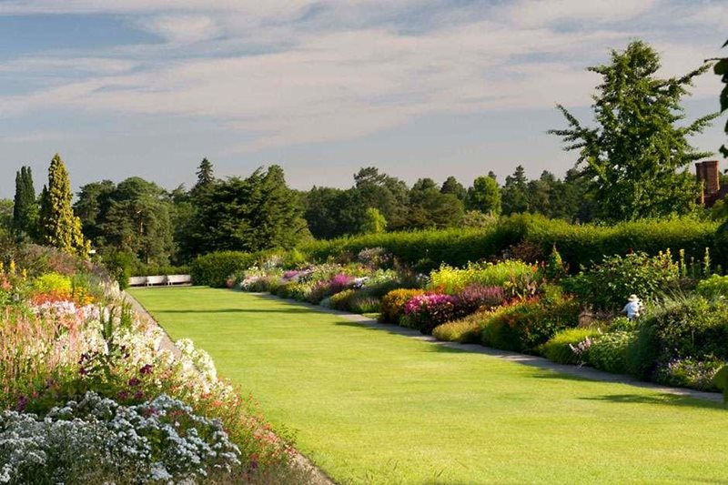 Information about the Mixed Borders at RHS Garden Wisley ...