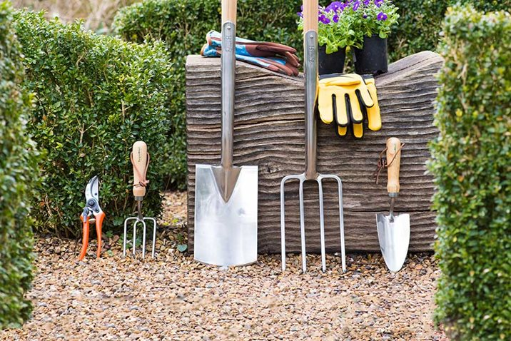 How to choose key gardening tools
