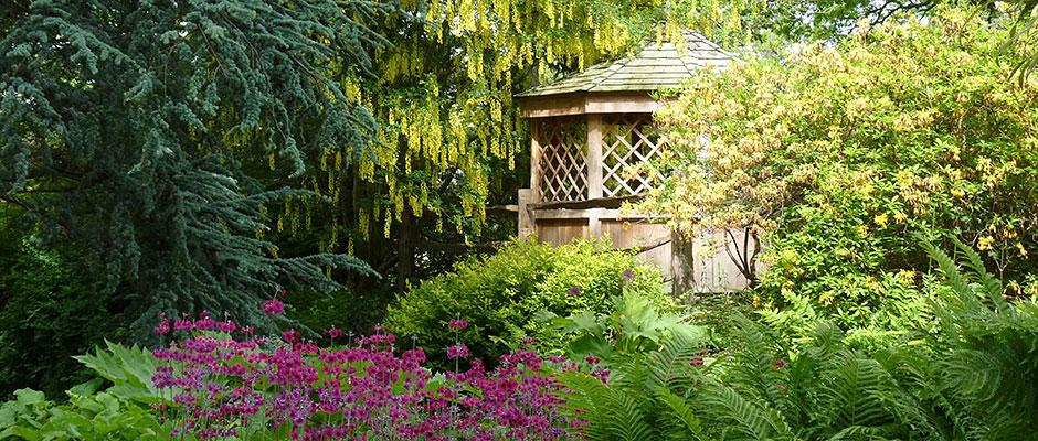 Summerhouse with May colour
