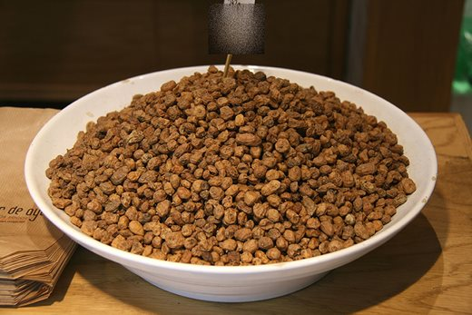 A bowl of tiger nuts. Image: Tamorlan via Wikimedia