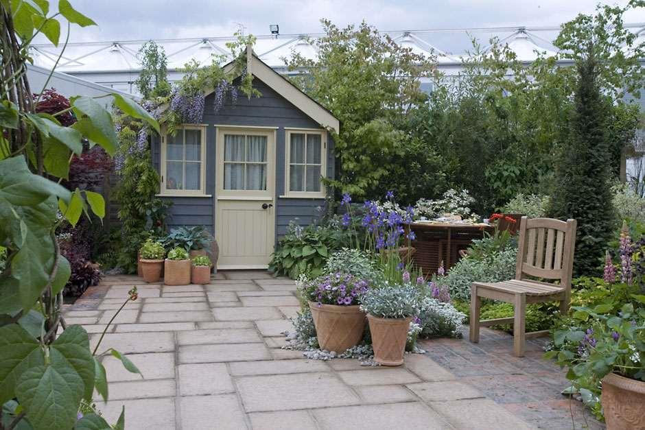 Captivating /Advice/Garden Features/All Garden Features