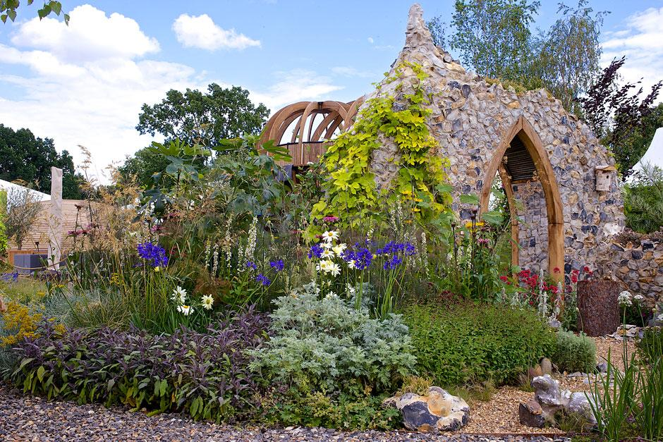 See show gardens to inspire you with great ideas to take home
