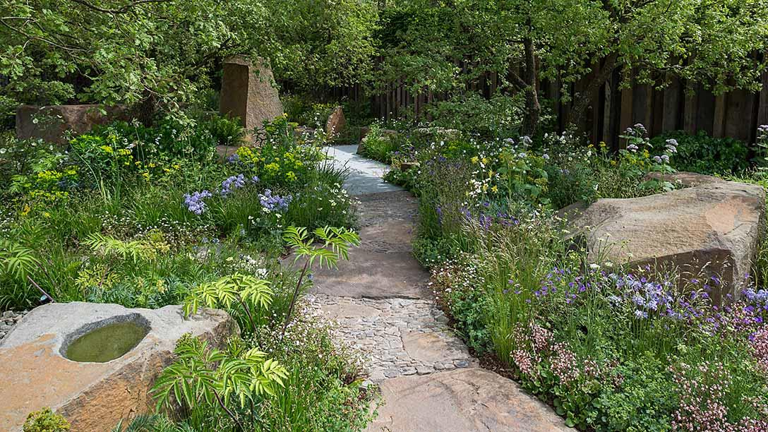 All about london rhs chelsea flower show the m g garden show gardens gold medal winner - Chelsea flower show gold medal winners ...